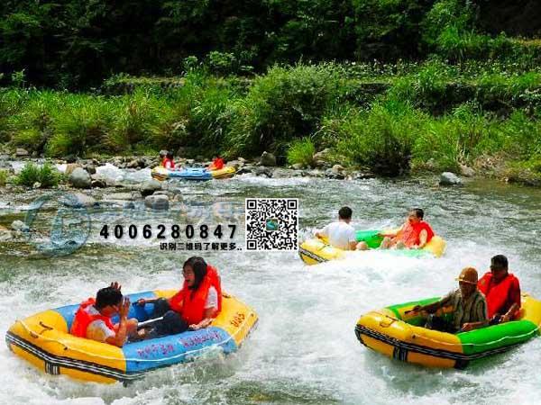 峡谷漂流船图片